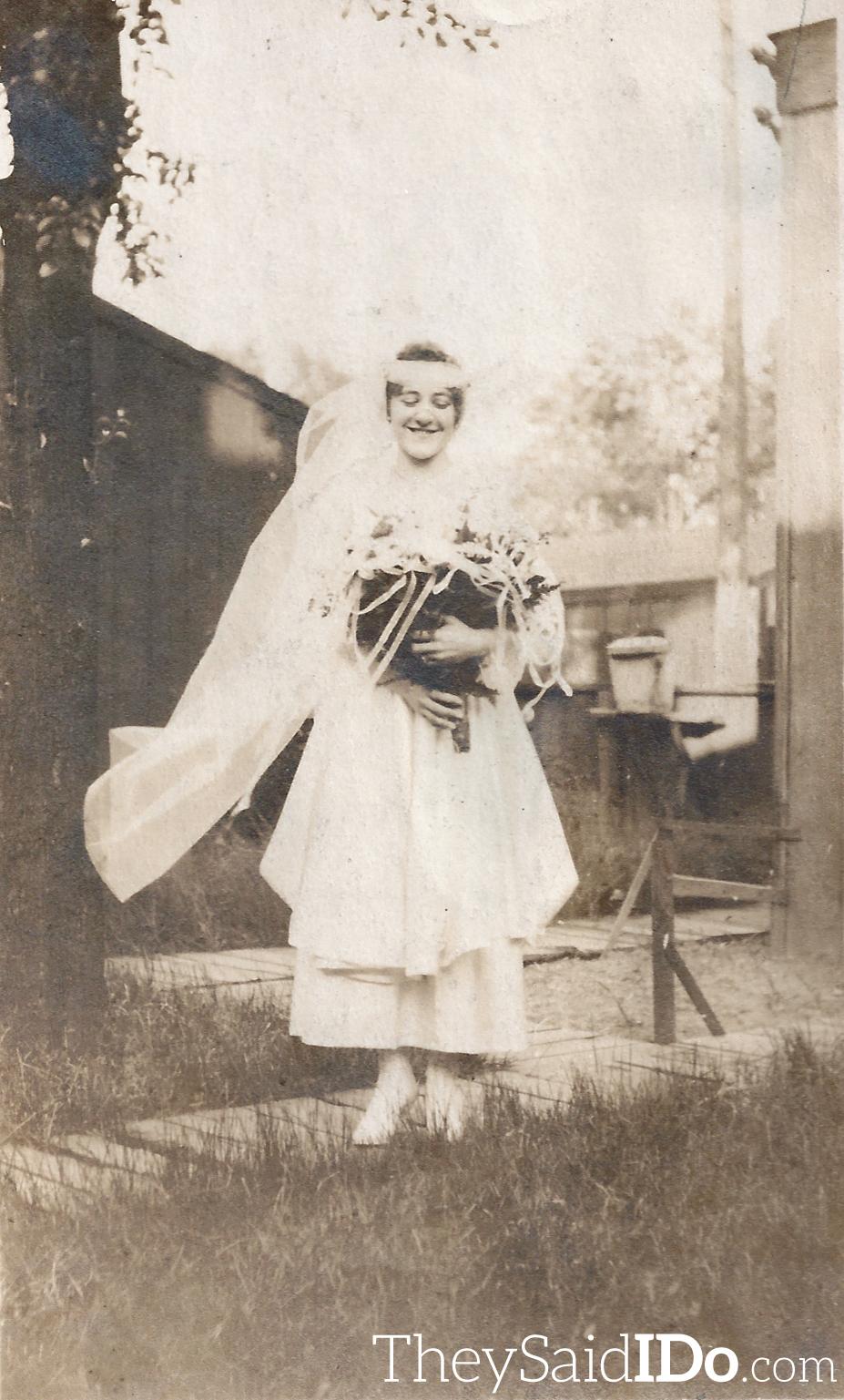 Dreamy Bride - 1920s {TheySaidIDo.com}
